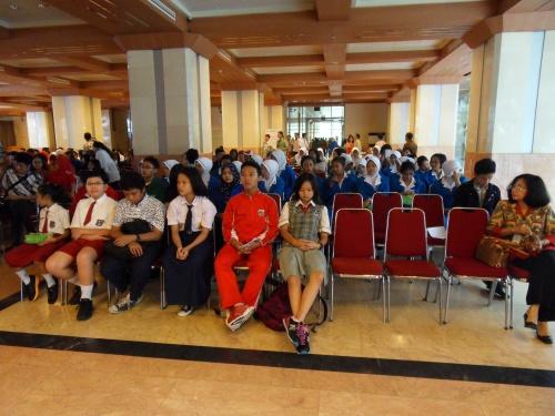 Penyerahan Beasiswa Tahun 2014 Peraih Mendali Event Nasional Internasional